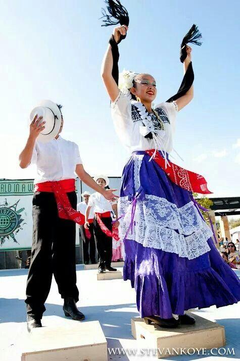 Vestidos típicos de Campeche!!