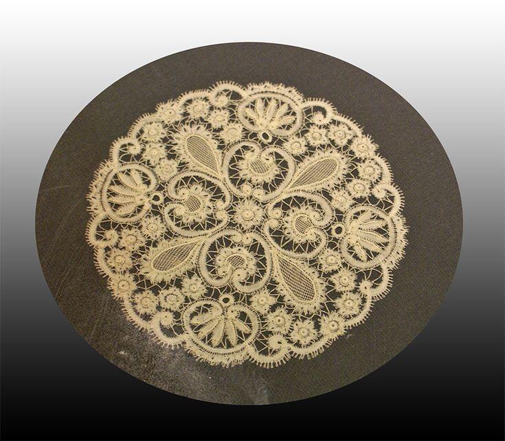 Rosaline lace