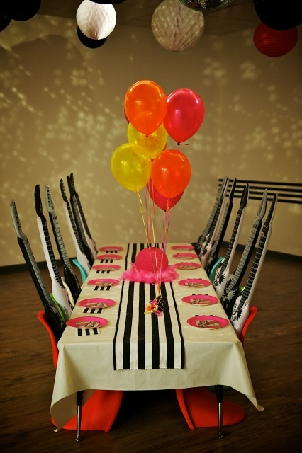 17 best images about rock and roll music themed party - Rock and roll theme party decorations ...