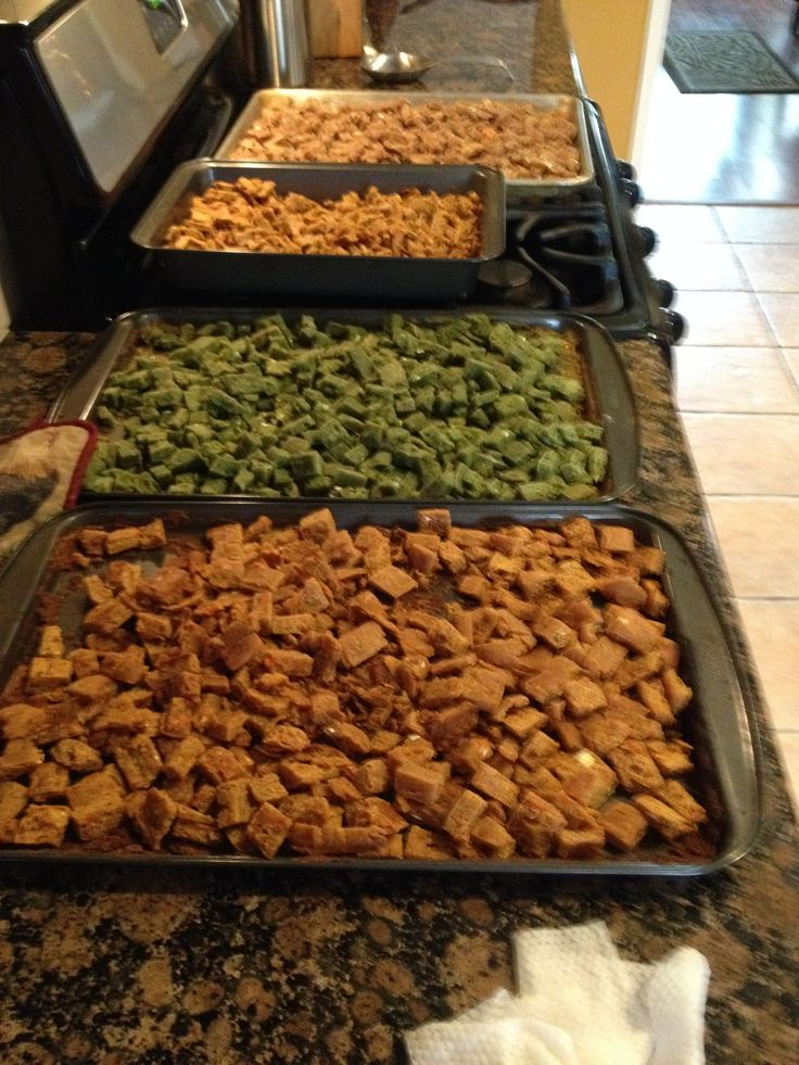 Homemade dry dogfood, Made my furbabies some homemade dry dog food this past weekend, man do they love it! Green bean, zuchinni, chicken, beef and carrot,