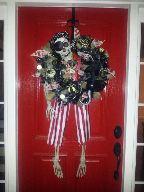 HALLOWEEN SKELETON WREATH by SouthernSassies on Etsy