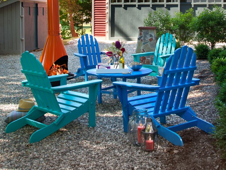 Dine in comfort in this colorful Adirondack chairs, made from recycled plastic.