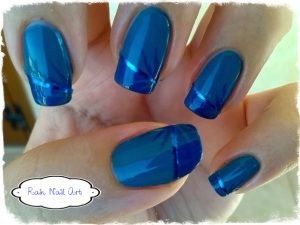 #31DC2013 http://rainnailart.wordpress.com/2013/10/12/31dc2013-05-blue-nails/