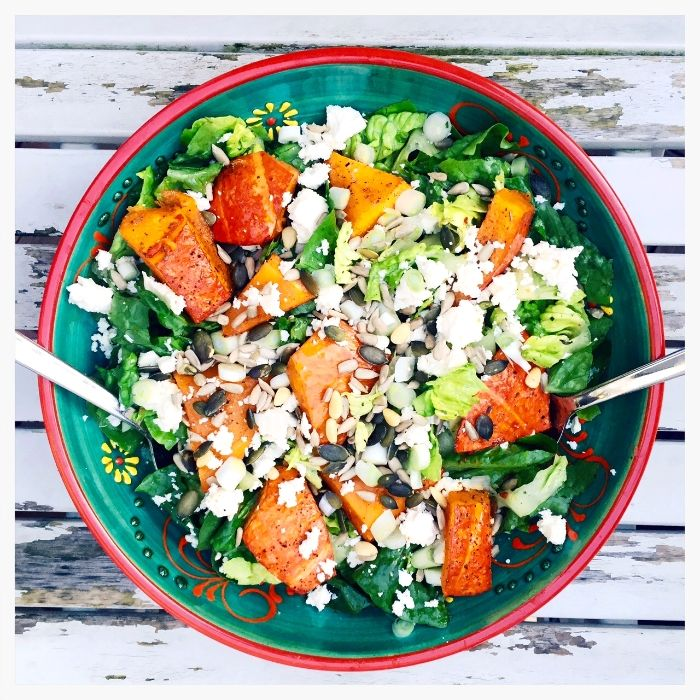 Roasted Pumpkin On A Salad - Ofenkürbis auf Salat mit Feta — Healthy Schnitzel