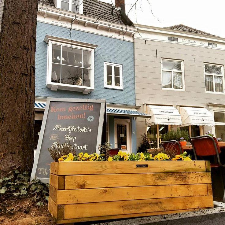 Regen? kom gezellig schuilen bij Taart & Tafel onder het genot van een warm drankje!