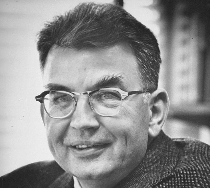 RONALD COASE (Willesden, INGHILTERRA, 29 dicembre 1910) economista, vincitore del premio Nobel per l'economia nel 1991.
