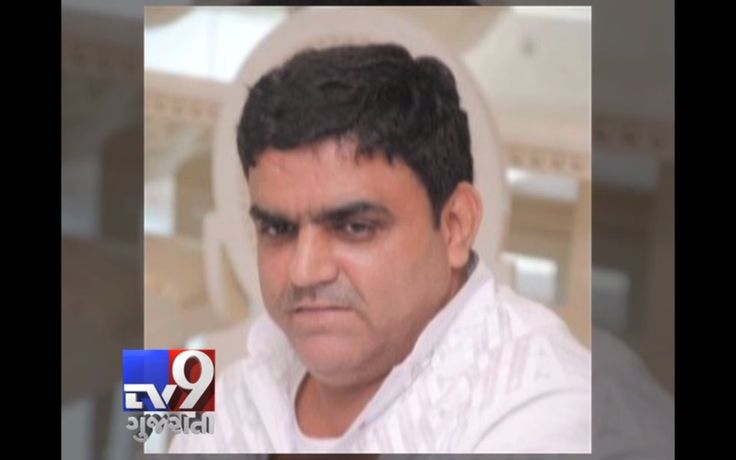 After Chhota Rajan's arrest in Bali, the Intelligence Bureau and the police are keeping a close watch on every person who was and is associated with the underworld. The first arrest in this regard was seen yesterday when Riyaz Bhati, a close aide of Dawood Ibrahim, was arrested from the Sahar airport with two passports.  Subscribe to Tv9 Gujarati https://www.youtube.com/tv9gujarati Like us on Facebook at https://www.facebook.com/tv9gujarati Follow us on Twitter at…