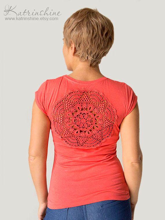 Korallen rotes T-shirt mit Vintage Upcycled von katrinshine auf Etsy