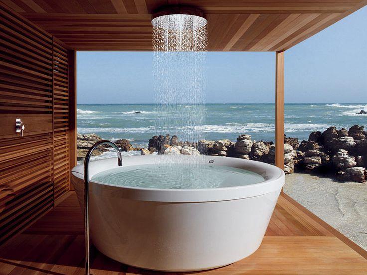 Freistehende Badewanne  Italian Bathroom Design