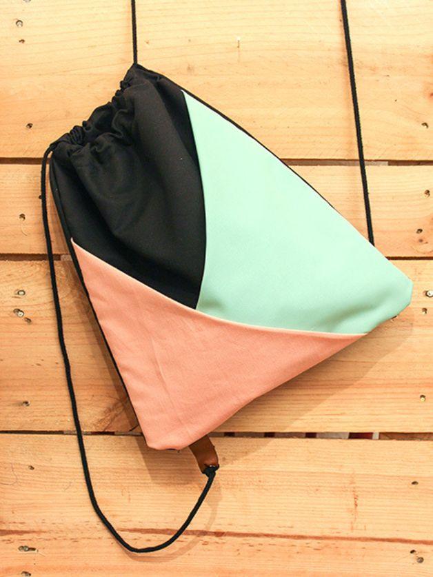 Turnbeutel mit geometrischem Muster und Innenfach // gym bag, tote bag with geometrical pattern by d'tailliebe via dawanda.com
