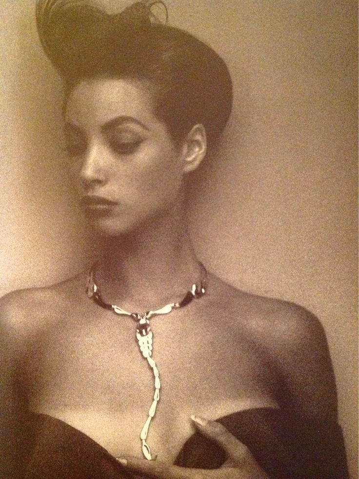 Sheila Metzner Christy Turlington 1986 Elsa Peretti's Serpent necklace