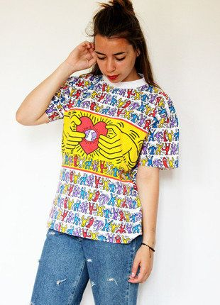 À vendre sur #vintedfrance ! http://www.vinted.fr/mode-femmes/hauts-and-t-shirts-t-shirts/35765412-t-shirt-keith-haring-edition-limitee  Superbe t-shirt Keith Haring édition limitée !