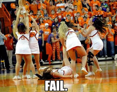 Cheerleader Oops 15 Embarrassing Moments In Cheerleading