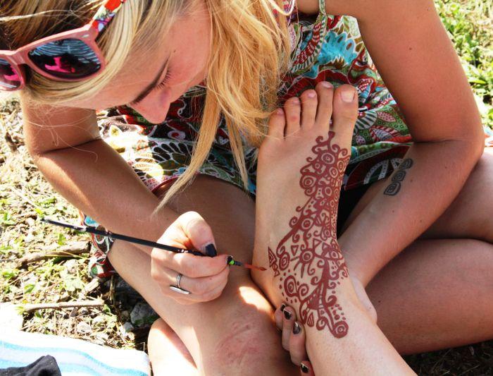 Henna on leg