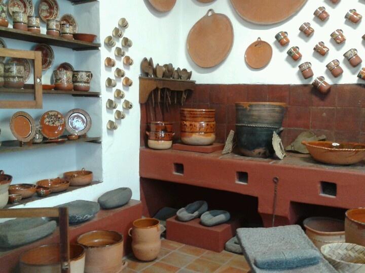 Cocina con estufa de barro mexicana kitchen pinterest - Como decorar macetas de barro ...