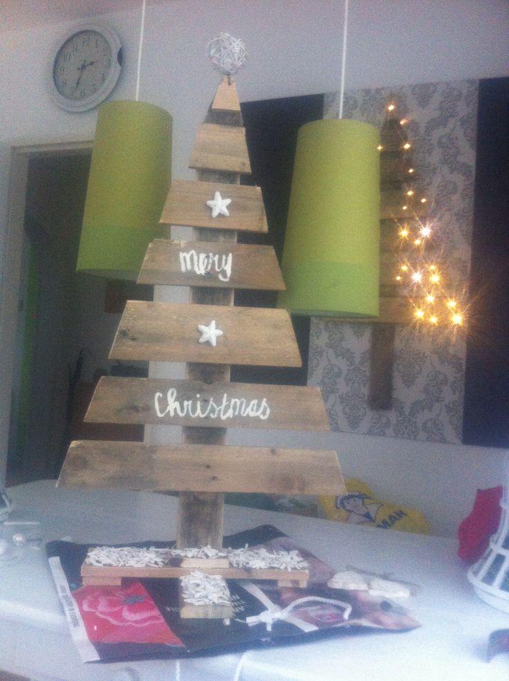 Kerstboompje van pallet gemaakt