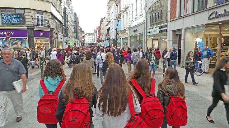 Grupo de curso escolar en Grafton Street