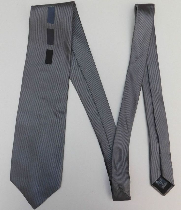 Pure silk tie Grey silk Made in the UK for British Home Stores Dry clean only Width 3 1 2 9cm Length 60 152 cm Condition Very good condition