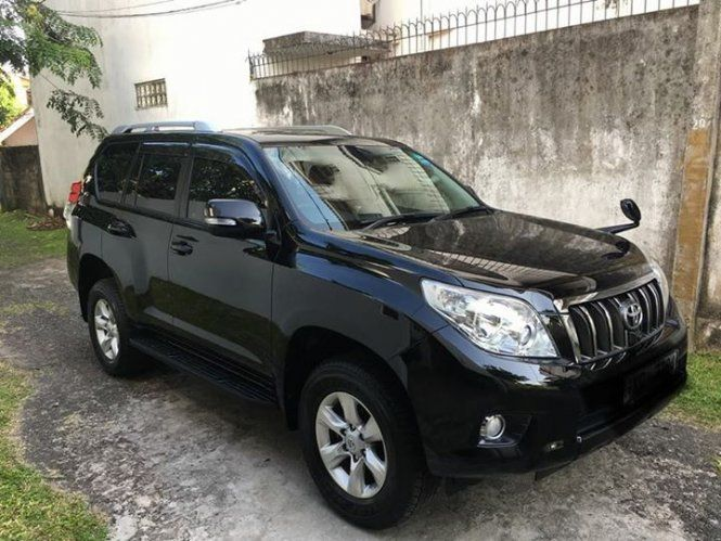 Jeep Toyota Land cruiser Prado 150 For Sale Sri lanka. Toyota Land Cruiser Prado 150. Very rare 2010 fully loaded jeep done only km 28,000 with Black leather interior,  all electric seats including 3rd row electric pop up seats,  HID head lamps and fog lights original,  door panel step illuminated Prado lighting original,  360 camera system and many more options.  Vehicle in absolute mint condition and almost like brand new.  Very reluctant sale.  Seriously buyer only. 0777840141
