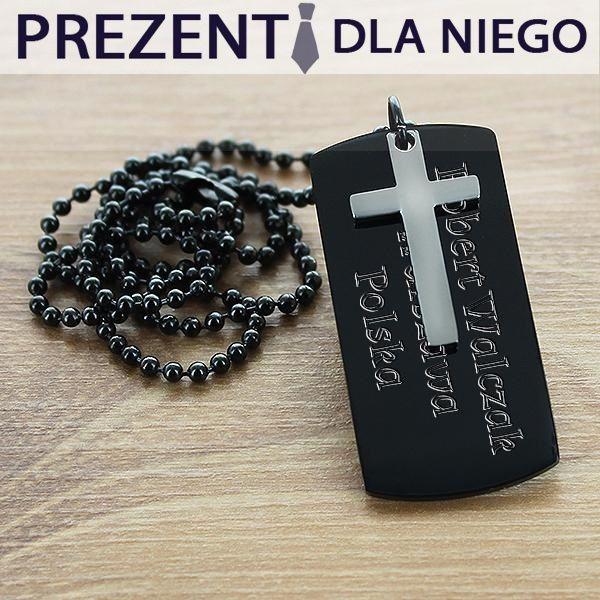 Propozycja prezentu dla niego - nieśmiertelnik z krzyżem. Doskonale sprawdza się zarówno do stylizacji na co dzień jak i na ważne wyjścia.  http://bit.ly/1Ovv4BC