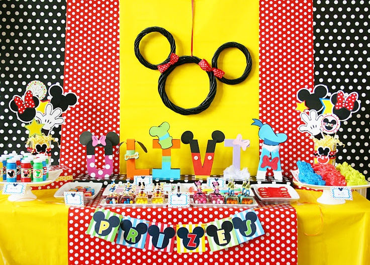 Amanda's Parties TO GO: Mickey Mouse Disney Carnival Party--love these colors!