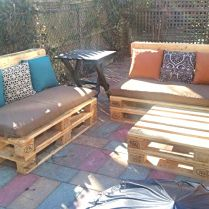 Need some outdoor furniture? This is amazing! I kind want to do this to go around our fire pit!