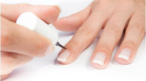 French Nails selber machen: So geht's
