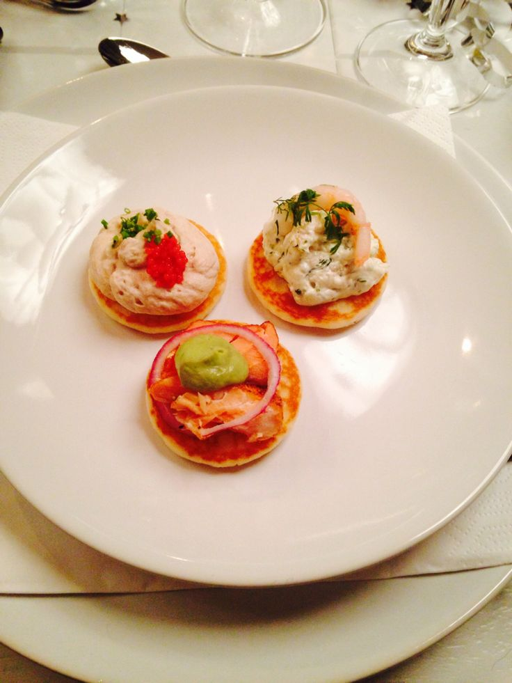 blinis with smoked salmon , tuna mousse and shrimp / cheese salad
