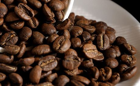 Using coffee beans to reset your sense of smell