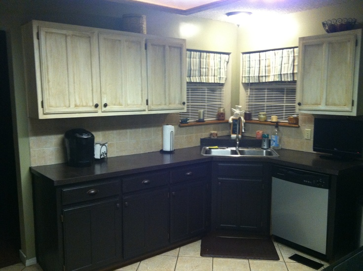 Kitchen Cabinets Light On Top And Dark On Bottom Pictures kitchen cabinets light top dark bottom. https www decorpad com