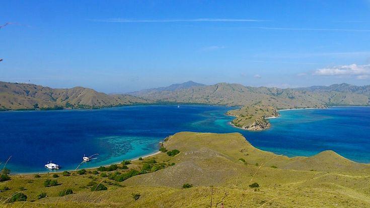 Ich erzähle hier über meine Low-Budget Komodo Bootstour von Lombok nach Flores & mir der Fähre zurück. Was kannst du erwarten? Welche Alternativen gibt es?