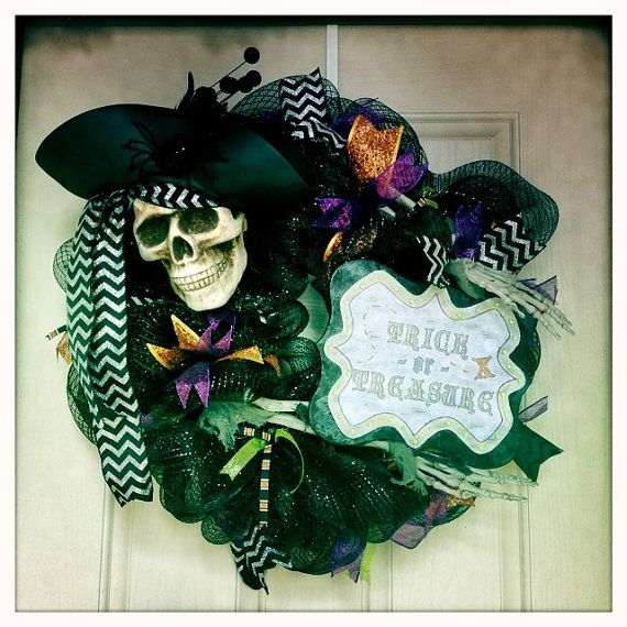 Handmade pirate wreath for Halloween through Thanksgiving. Finished wreath is approximately 24. Appropriate for indoor or outdoor use. If using