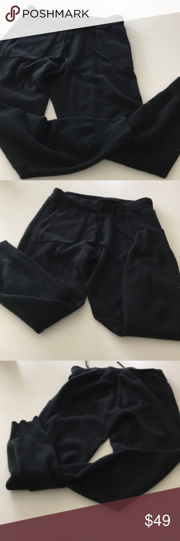 Theory xs cashmere leggings Cashmere black leggings. Loose leg, draw string, pockets. Fitted bottoms. Yes there is some pilling, which is why the price is low. Theory Pants Leggings