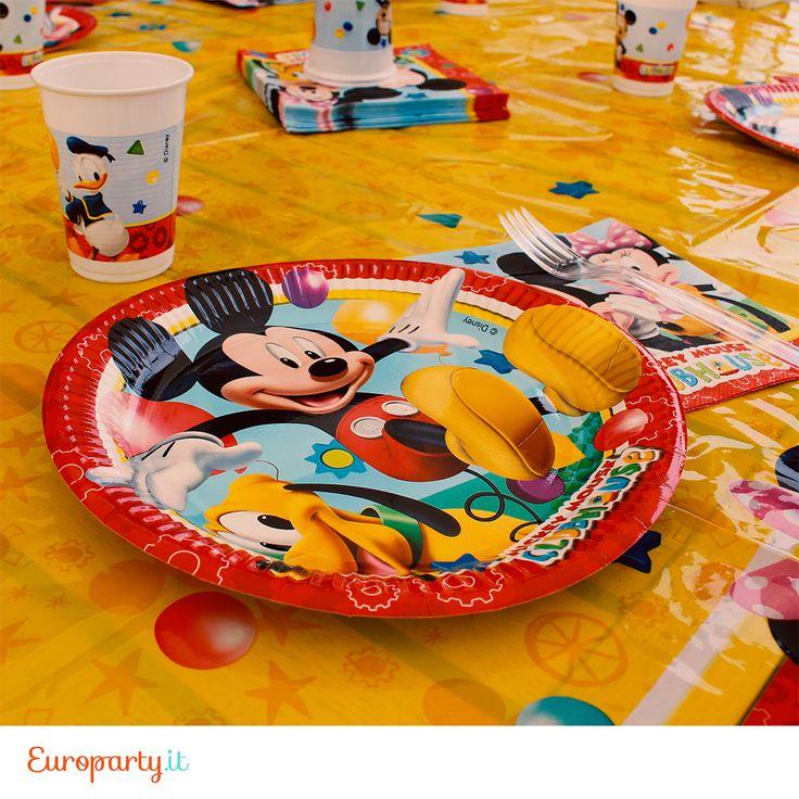 I tuoi bimbi guardano #MickeyMouse ClubHouse? Su Europarty puoi trovare piatti, bicchieri, tovaglie e tovaglioli di questo nuovo cartone animato, con #Topolino, #Minnie, #Pluto e tutti gli altri amici #Disney 😀
