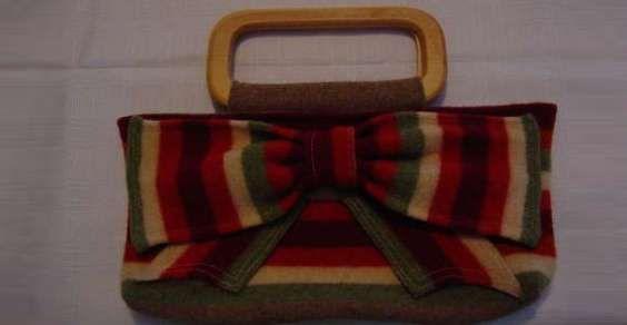 Come realizzare una borsetta da un vecchio maglione in 5 mosse