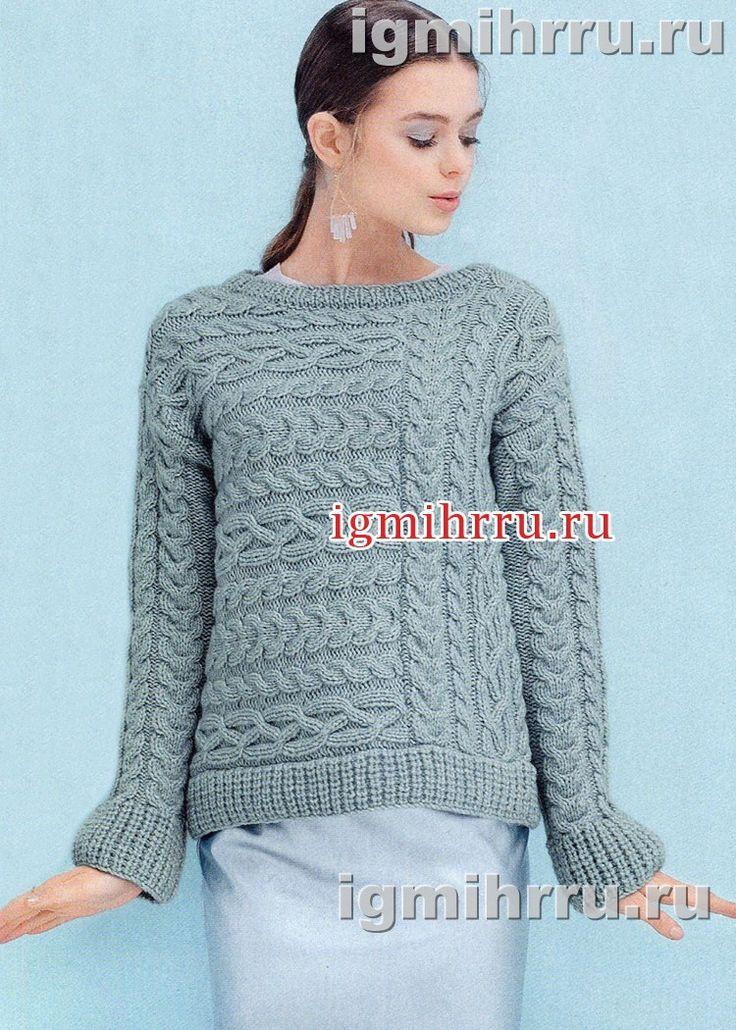 Голубой пуловер с фантазийными «косами». Вязание спицами