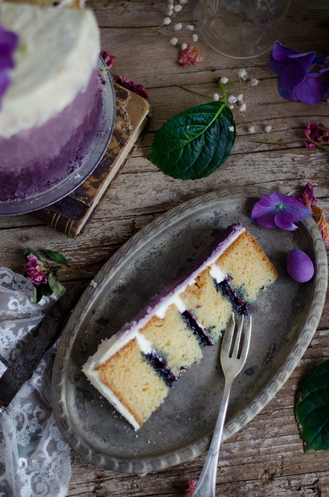 Coco e Baunilha: Bolo de natas e mirtilo com buttercream de lavanda // Blueberry and cream layer cake with lavender buttercream