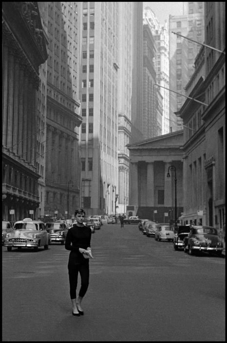Audrey Hepburn near Wall Street during the filming of Sabrina. New York, 1954.