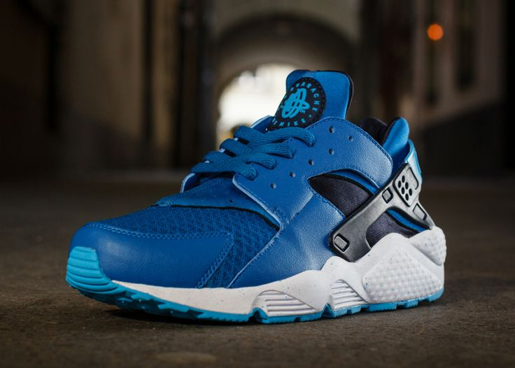 Nike Air Huaraches Blue