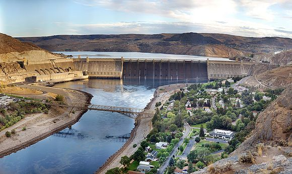 Grand Coulee Dam - laser light show. View and hear the show from the park at the base of the dam.    Lay out a blanket and enjoy!