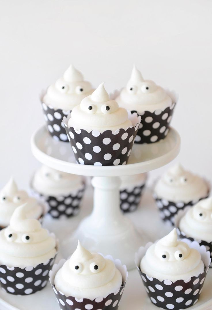 Kids Halloween Party - Ghost Cupcakes