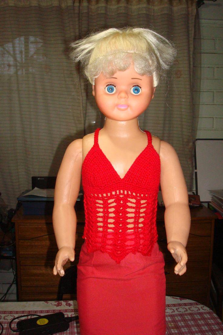 Mi modelo.... Ahora está muy bien vestida...