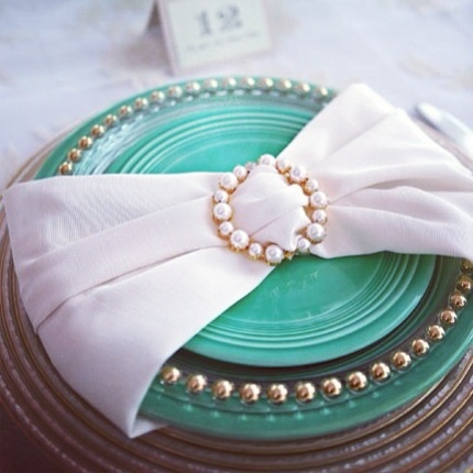 Turquoise table setting   Weddings, parties, decor, table setting, plate setting, persian, party bravo