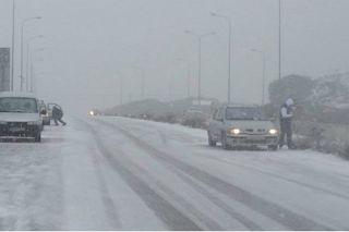 Αuto  Planet Stars: Με σφοδρή χιονόπτωση «ξύπνησε» η Θεσσαλονίκη - Οι ...