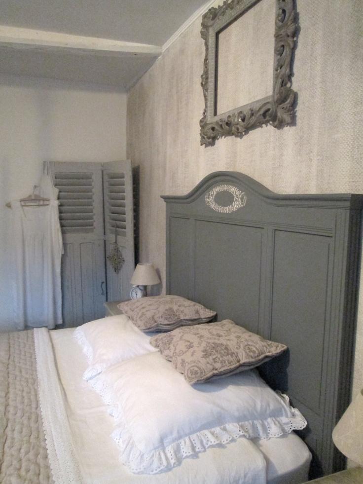 les 25 meilleures id es concernant t tes de lit volets sur pinterest chambres de campagne. Black Bedroom Furniture Sets. Home Design Ideas