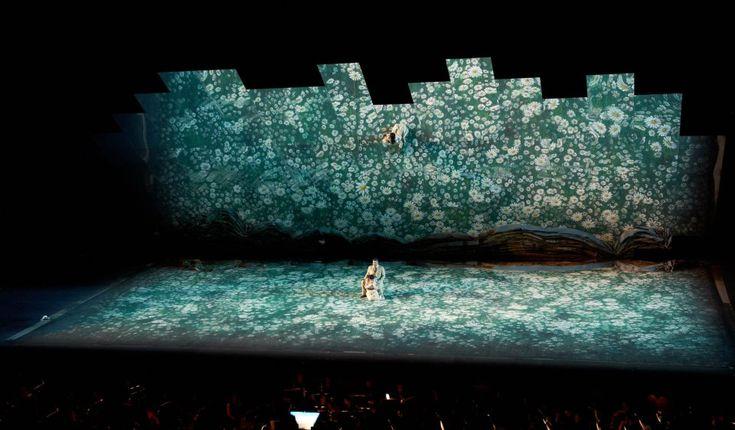 La Traviata reflète Sferisterio. Joseph Svoboda