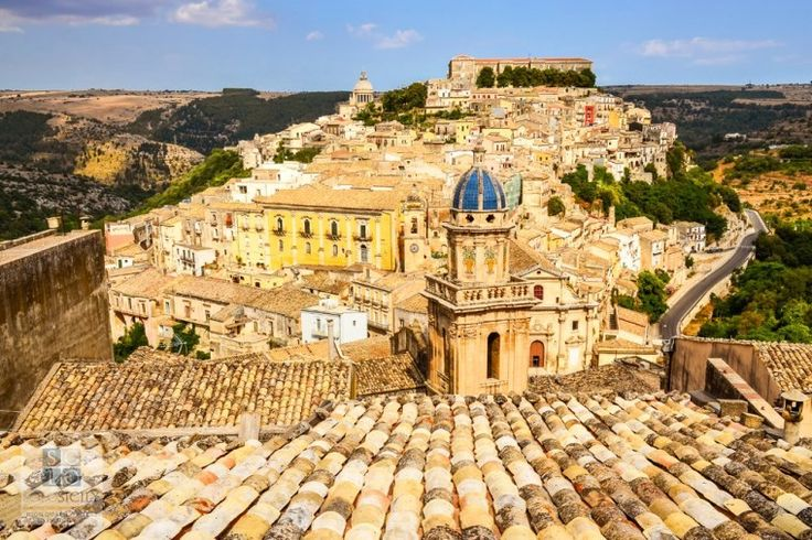 In the Footsteps of Inspector Montalbano: Andrea Camilleri's Sicily from Siracusa to Agrigento