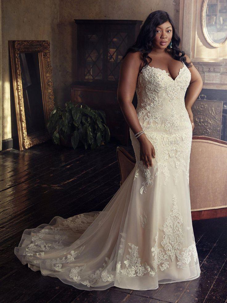 Dieses wunderschöne, figurbetonte Brautkleid bietet zusätzlichen Schutz für unsere Glorie …   – By Some Miracle!