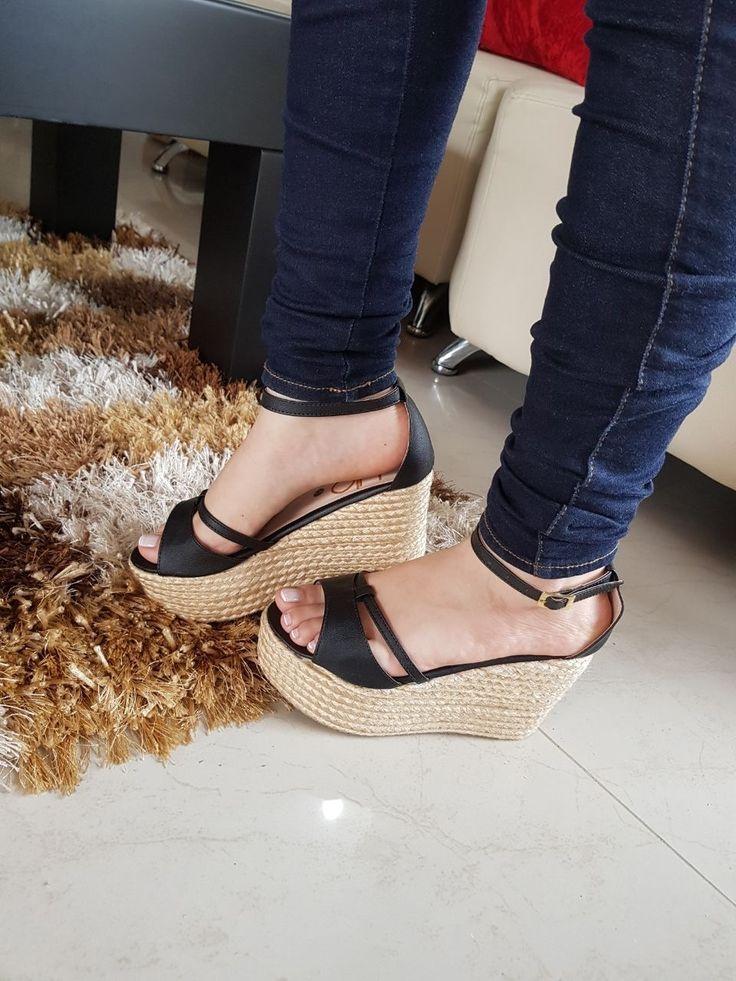 🇦 🇱 🇹 🇪 🇿 🇦 🍂🌸 By: Daniela Castilla  🎀PEDIDOS AL📱 3218315559 🎀Cositas Divinas!! 💕 🎀🎀NUEVA COLECCIÓN🎀🎀 🎀ENVIO SEGURO 🔐 (COLOMBIA) #DanielaCastillaAlteza #nuevacoleccion #shoes #shoes👠 #shoegasm #shoelover #shoeaddict #instashoes #instastyle #new #newshoes #outfitoftheday #outfit #wedgesshoes #look #fashion #modafeminina #estilo #styleblogger #elegante #pinky #amomiszapatos