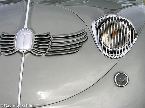 I'll let David's photos of streamlined   Art Deco cars speak for themselves.
